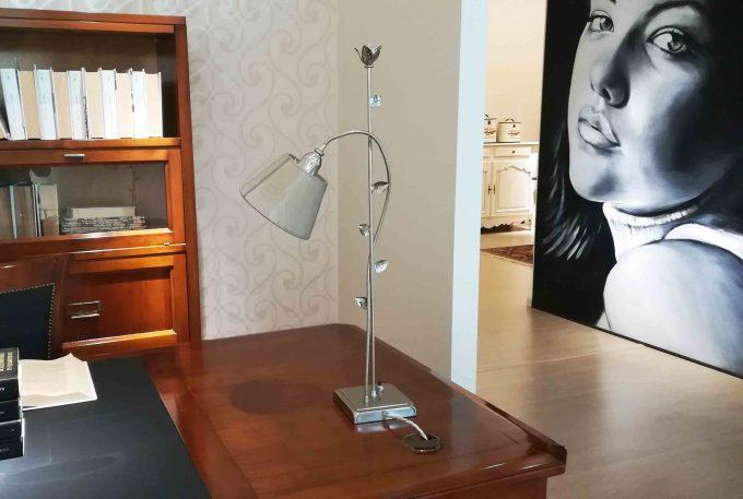 Lampada in foglia argento e cristalli