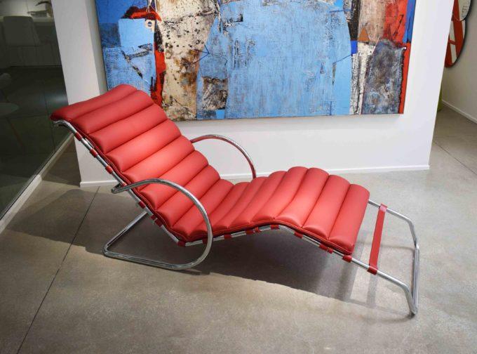 chaise long pelle rossa