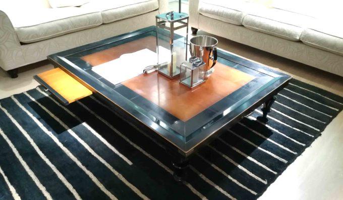 Tavolino basso con vassoio