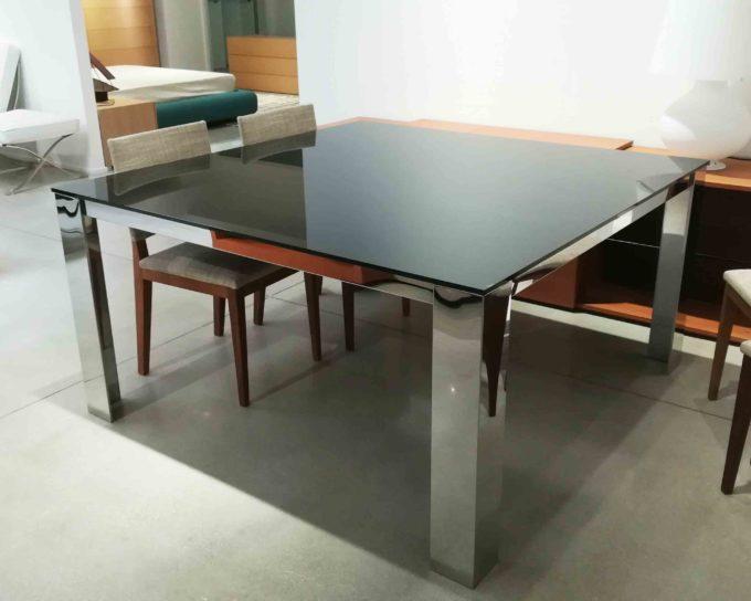 Tavolo quadrato vetro